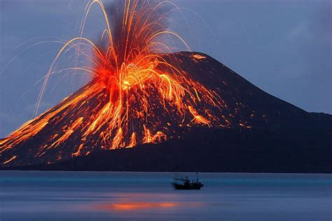 The meaning and symbolism of the word - «Volcano»