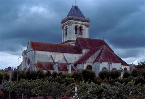 French Cathedrals and Churches - Clamecy to Dinan