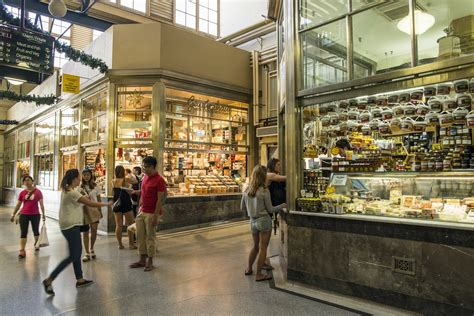 Queen Victoria Market and Lygon Street Local Flavours Tour