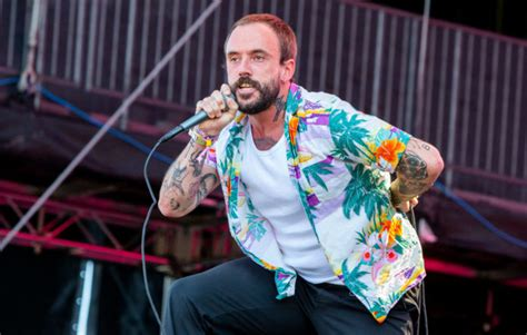 IDLES' 'Welcome' EP is now back on streaming services | NME