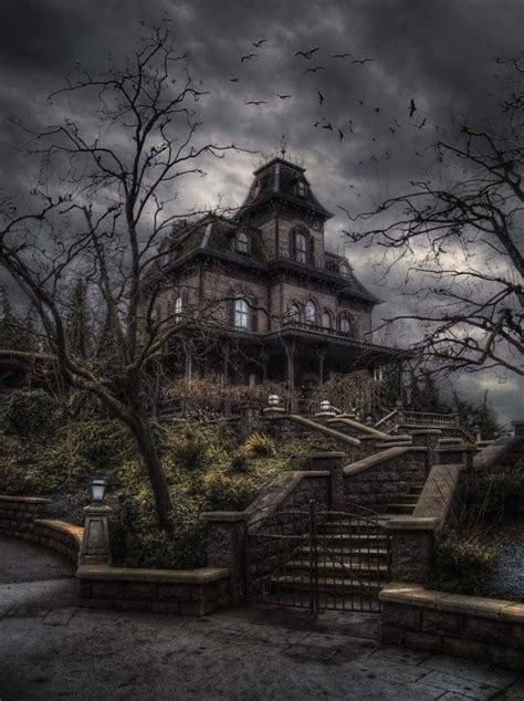 """Im pretty sure this is the """"Bates Motel"""" house at"""
