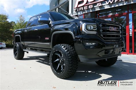 GMC Sierra with 22in Grid Offroad GD1 Wheels exclusively
