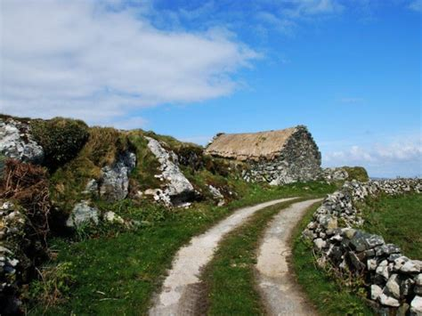 2 Bedroom Stone Cottage in Ireland, Galway / County Clare