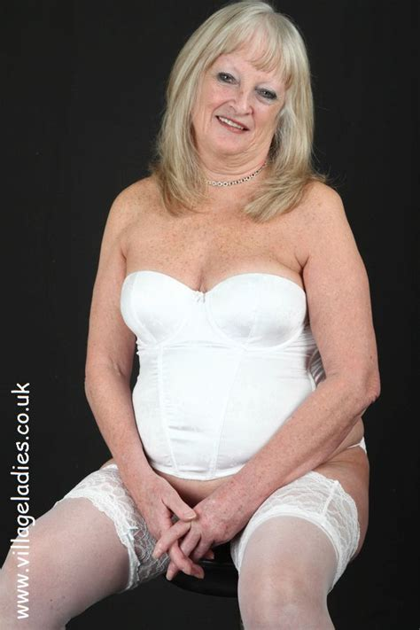 archive of old women: Mature Erotic stories in pictures