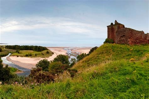 Montrose Visitor Guide - Accommodation, Things To Do